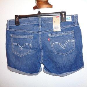 NWT Levi's Midi Jean Shorts Size 13
